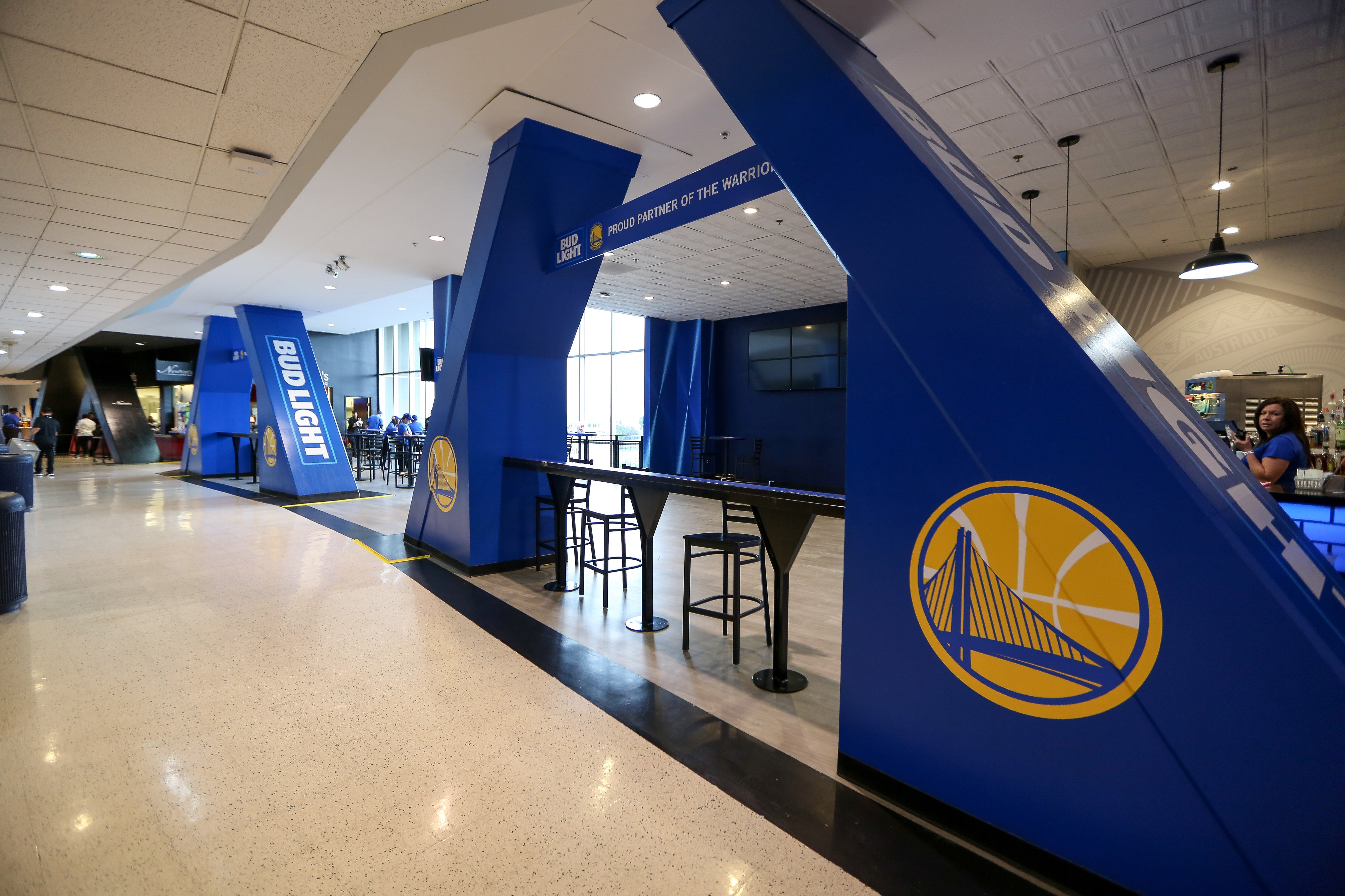 Dining | Oakland Arena and RingCentral Coliseum